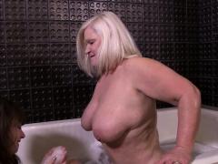 granny-loves-lesbian-sex