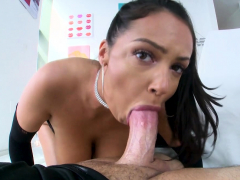 sofi-ryan-came-by-to-with-that-sexual-and-playful-energy-of