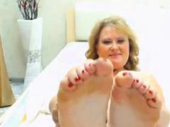 Pretty BBW GILF Feet in face - no sound