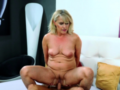 blonde-mature-woman-rides