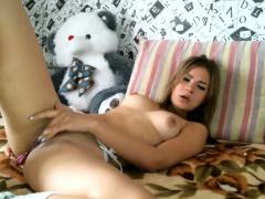 cute-amateur-teen-girl-fingering-her-pussy-on-webcam