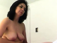 spying my mom bouncing on a cock