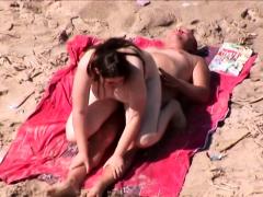 beach-voyeur-captures-public-sex