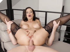 milf-pornstar-lisa-ann-cum-sprayed-after-anal-banging
