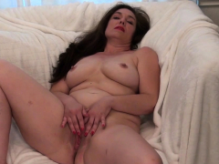 american-milf-katrina-can-t-stop-touching-herself