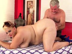 fat-buxom-bella-receives-sensual-massage