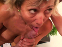 Horny guy drills her old pussy hard