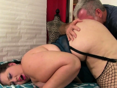 Masseur Makes Fat Becki Butterfly Cum