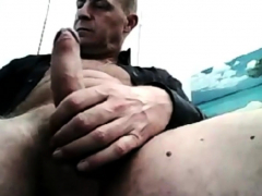 ITALIAN DADDY JACKS OFF HIS BIG THICK UNCUT