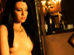 indian-scandal-bollywood-nude-actress