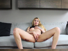 Euro Amateur Enjoys Fingering Her Shaved Twat