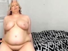 busty-bbw-fucks-her-toys-on-webcam
