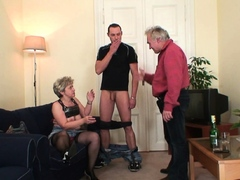 horny-grandmother-fingering-old-pussy-before-threesome