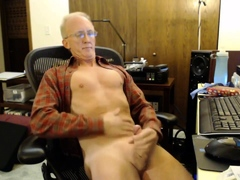 str8-daddy-stroke-in-the-office
