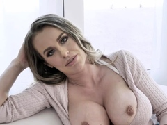 lonely-cougar-shows-jugs