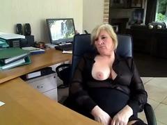 this-blonde-mature-slut-loves-to-masturbate-in-her-kitchen
