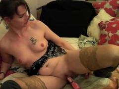 visit-x-horny-milf-steht-auf-nippelschmerz-beim-masturbieren