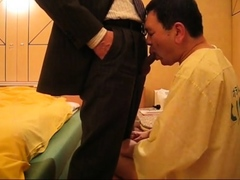 Sucking asian Daddy