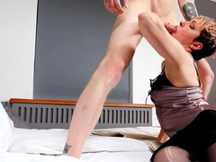 tutor4k-without-glasses-mature-tutor-easily-gets-seduced