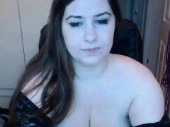 Amateur Thick Brunette With Huge Tits Cam