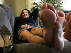 hot-brunette-foot-fetish-play