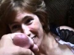 mature-woman-get-a-big-facial