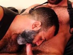 bearfilms-hairy-bear-sterling-johnson-barebacked-by-hunk