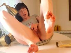 solo-sexy-foot-fetish
