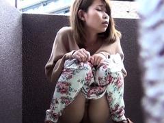 Japanese babe gushes pee