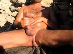 Str8 daddy cum at beach