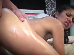 Glamour brunette girlfriend enjoys a hefty wang