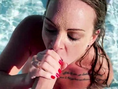Tiffany Leiddi gives a sensual BJ in the pool