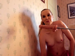 amateur-webcam-toying-wet-pussy