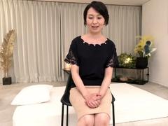 japanese-milf-likes-public-blowjob