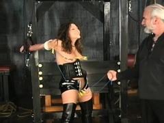 Dude plays harsh on babe's fur pie in bizarre bondage