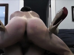 Nice hard fuck on the couch with creampie