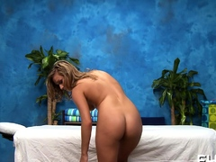 Cute gorgeous gal kennedy leigh and giant lever